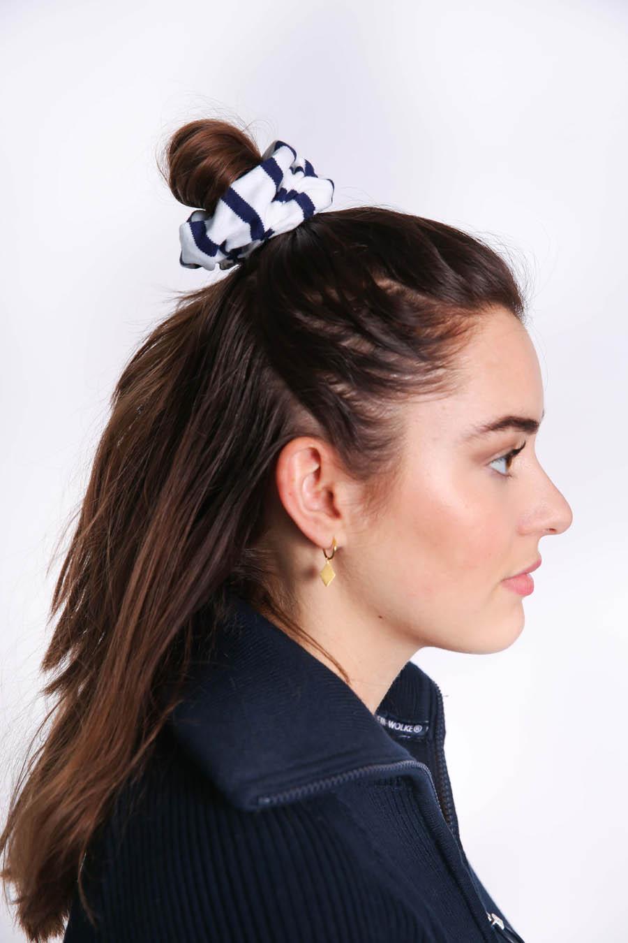 scrunchie white navy