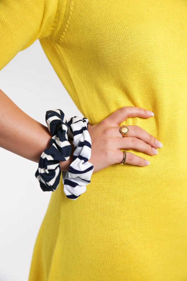 scrunchie navy white